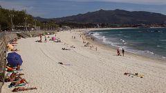 Las mil playas gallegas se preparan para un verano marcado por la crisis sanitaria