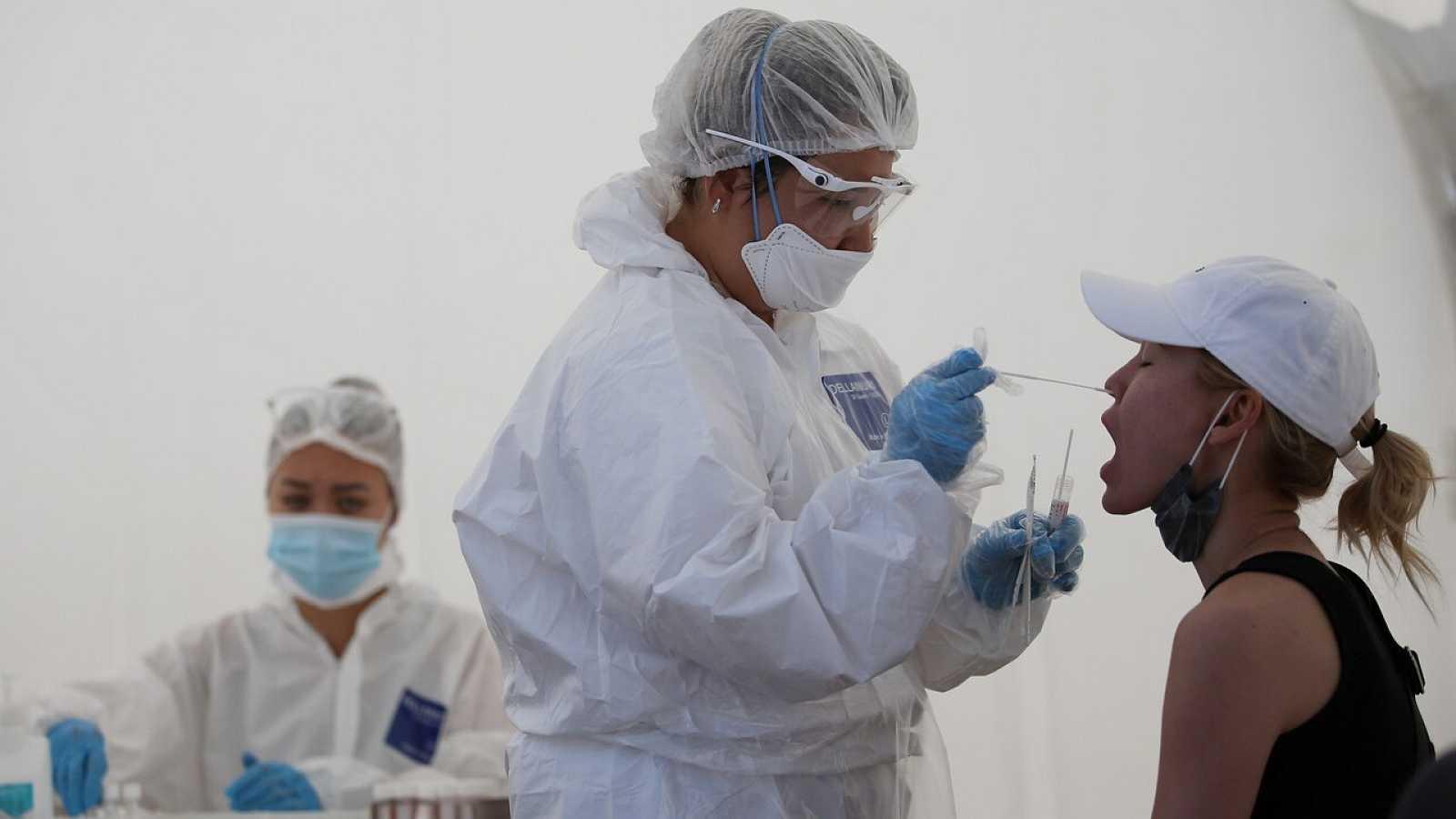 Sanidad prevé extender las pruebas de coronavirus a los contactos directos de infectados aunque no tengan síntomas