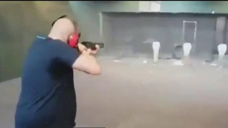 La Policía investiga un vídeo en el que un hombre dispara a fotografías de Sánchez, Iglesias y Marlaska