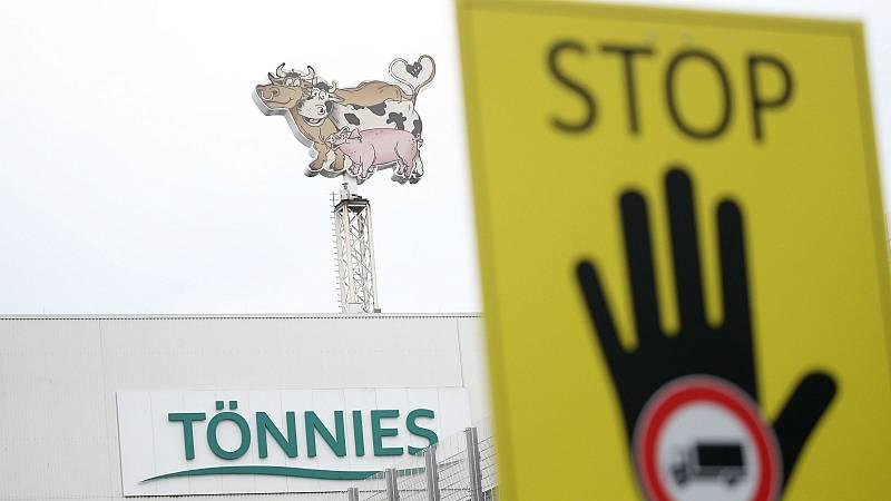 El brote de coronavirus en el matadero de Alemania muestra la realidad del sector cárnico