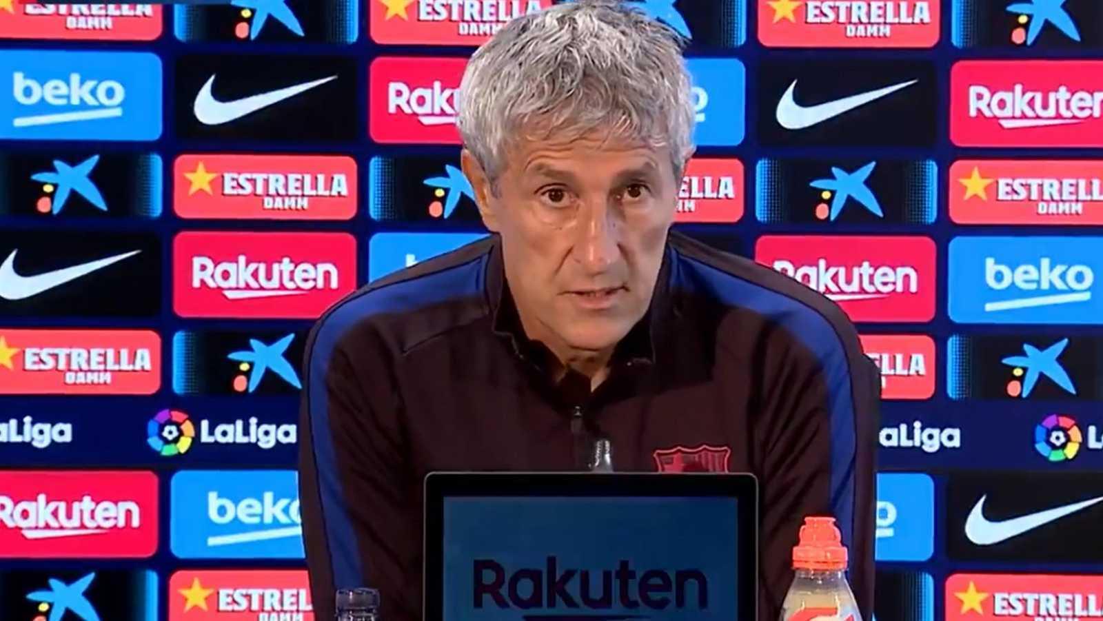 """El Barça, líder, y el Sevilla, tercer clasificado, se enfrentan este viernes en Liga y Setién cree que es un beneficio jugar sin el público hispalense, mientras que Lopetegui ha recordado que cuando un equipo tiene a Messi """"está todo dicho""""."""