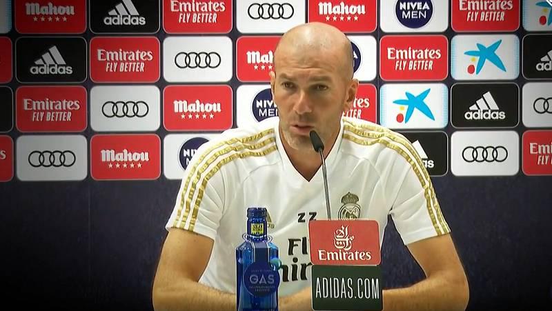 """Zidane evita contestar a Piqué: """"Se puede jugar fuera del campo, pero nosotros queremos jugar dentro"""""""
