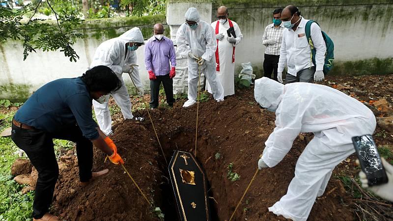 India supera los 14.000 muertos con coronavirus