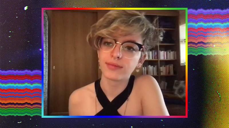 """OK Playz - Elizabeth Duval: """"¿Cómo influyen las redes sociales en nuestra forma de pensar?"""""""