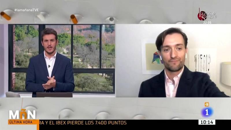"""Tomás Pueyo, experto mundial en el seguimiento de la pandemia, critica el protocolo en los aeropuertos: """"Es una locura"""""""