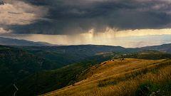 Calor en el Valle del Ebro y chubascos en el interior