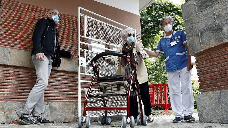 Sanidad notifica tres rebrotes en residencias de mayores