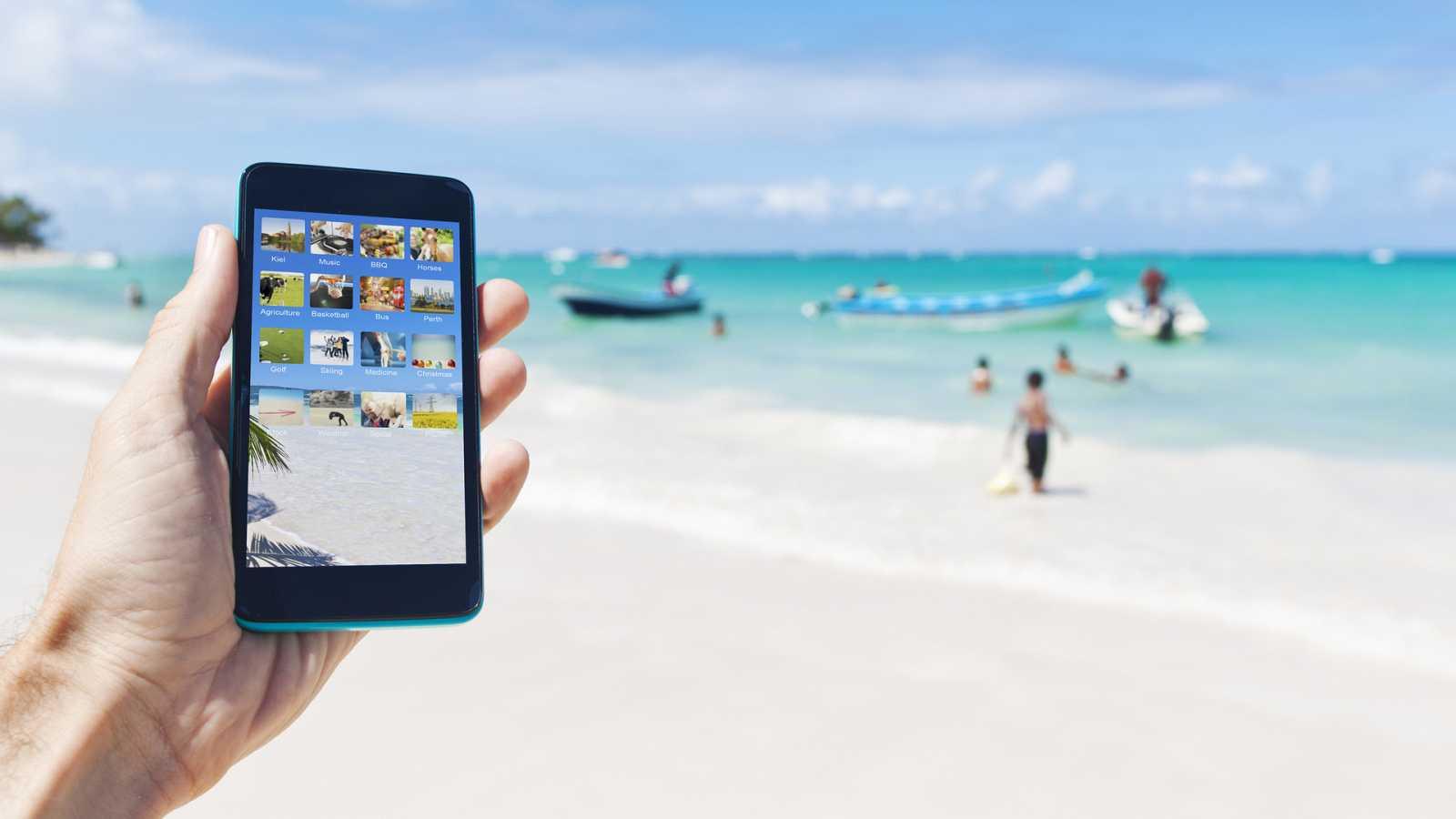 El verano que viene: Así son las aplicaciones para reservar hueco en playas y piscinas