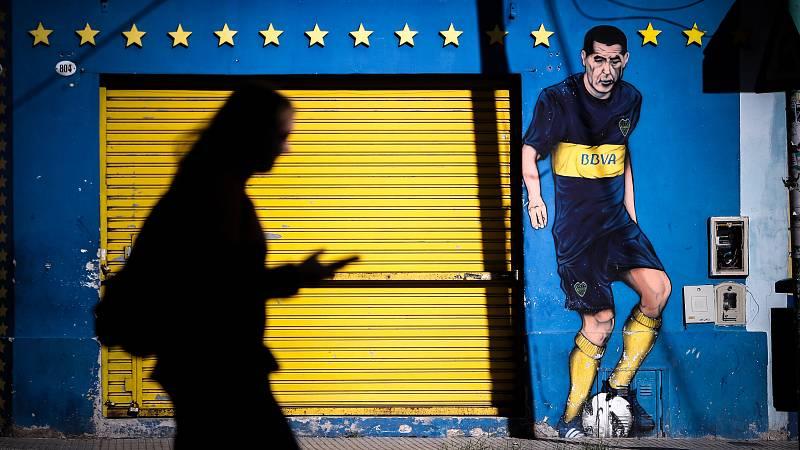 El fútbol sigue parado en Argentina y vuelve con polémica en Brasil
