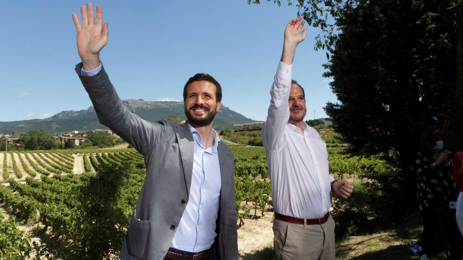"""Casado e Iturgaiz aseguran que votar al PNV en Euskadi es """"apuntalar"""" a Sánchez y a Iglesias en La Moncloa"""