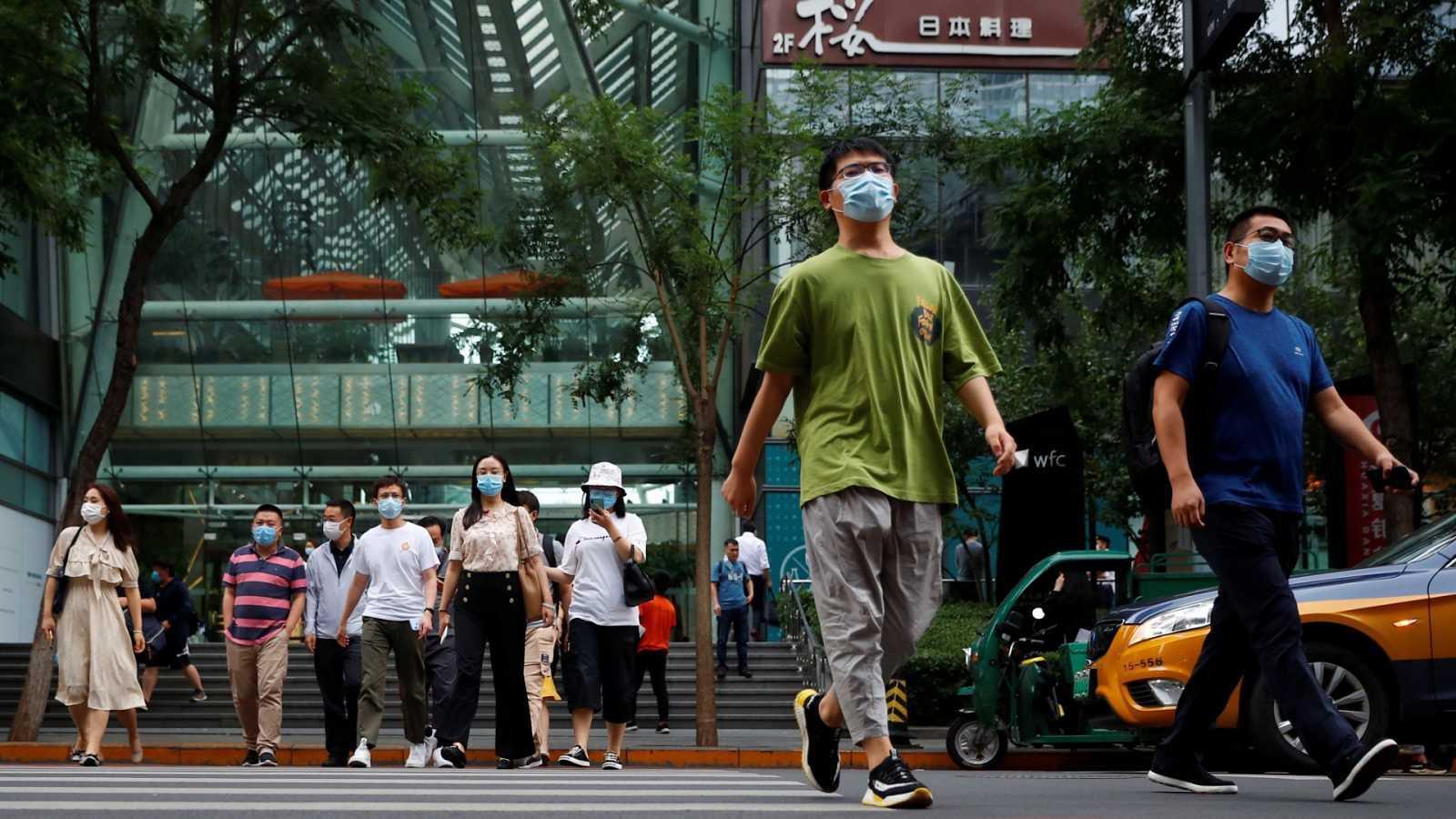 China probará una vacuna contra el coronavirus en su Ejército