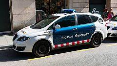 Un hombre rocía con sosa cáustica a una mujer y a su hija en Girona