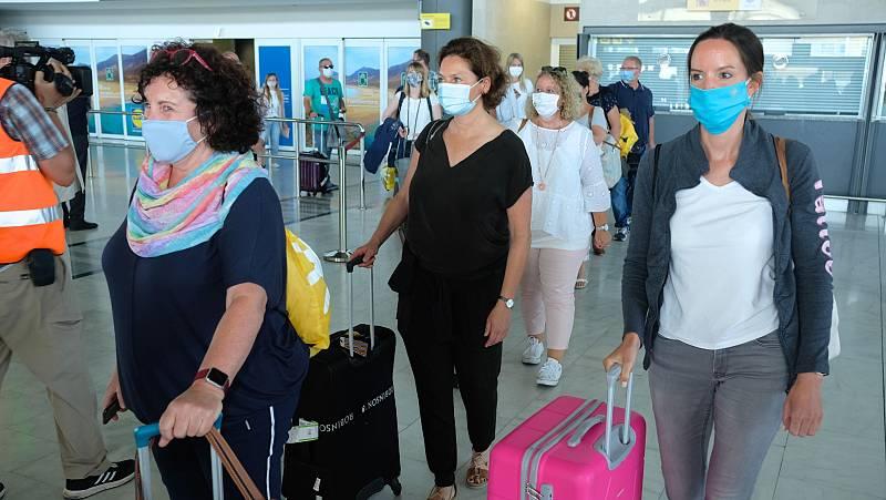 Controles sanitarios y rastreadores para garantizar aeropuertos libres de coronavirus en España