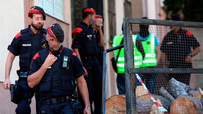 Operación de los mossos, con 500 agentes desplegados, contra un violento clan familiar en Barcelona