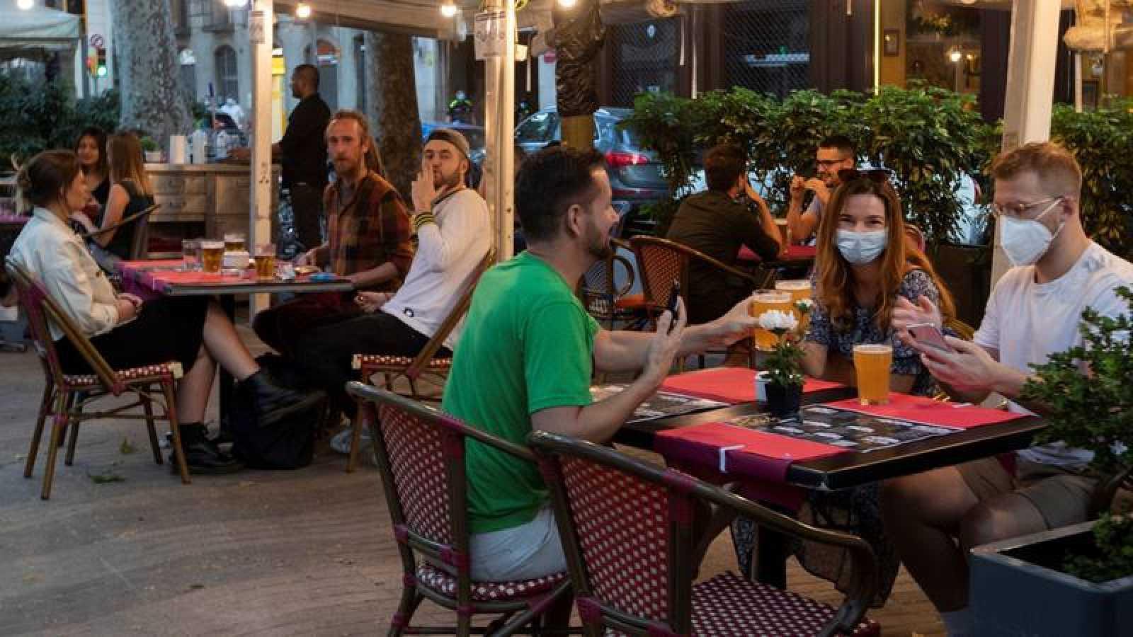 Sanidad alerta del riesgo de fumar asociado a la transmisión del coronavirus