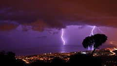 Chubascos y tormentas localmente fuertes en Cataluña