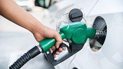El precio de los carburantes repunta, pero se mantiene más barato que hace un año