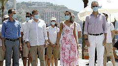 El rey apela a la esperanza tras constatar en Benidorm la crisis que sufre el sector turístico por el coronavirus