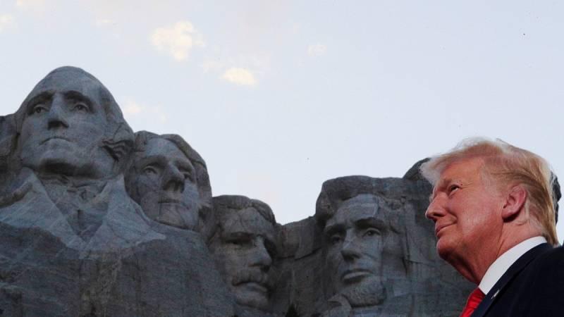 Trump abre la celebración del Día de la Independencia con la defensa de los monumentos de EE.UU.