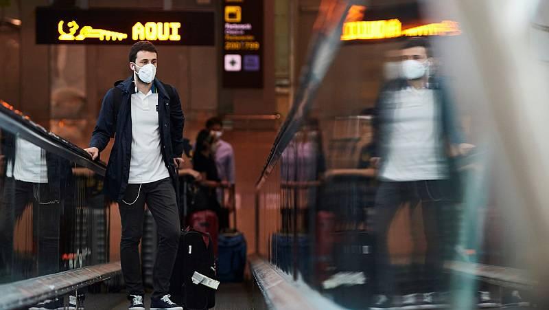 Aterrizan los primeros viajeros tras abrirse la frontera a 12 países de fuera de la Unión Europea