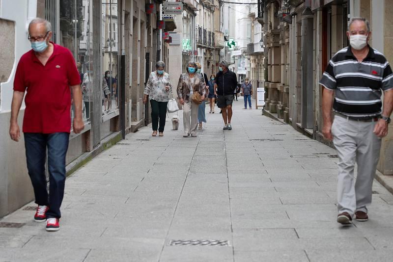 Elecciones gallegas: El cierre de la comarca de A Mariña por el brote de Covid-19 sacude la campaña