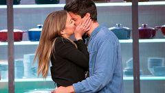El esperado beso de amor de Luna y Alberto