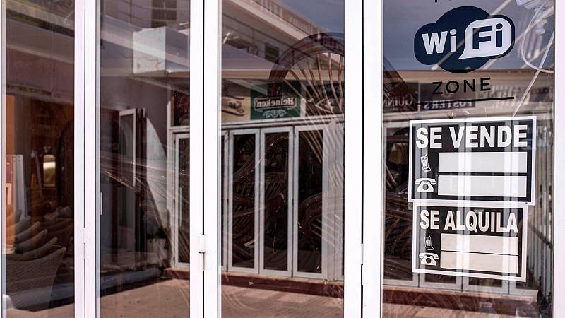 El coronavirus desata un cierre masivo de bares y comercios en España