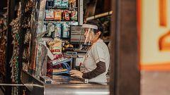 Sanitarios, mensajeros y cajeros, los trabajadores más esenciales pero también los más precarios