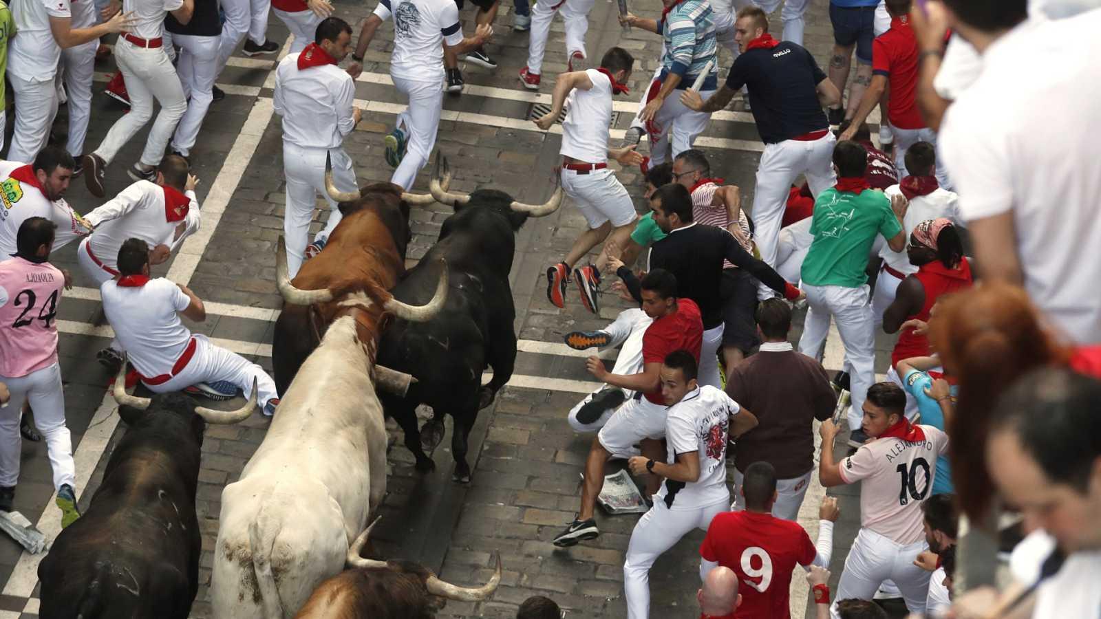 """""""Corriendo al 2021"""": Un mismo toro de la ganadería del Marqués de Domecq hirió a siete corredores en 2007"""
