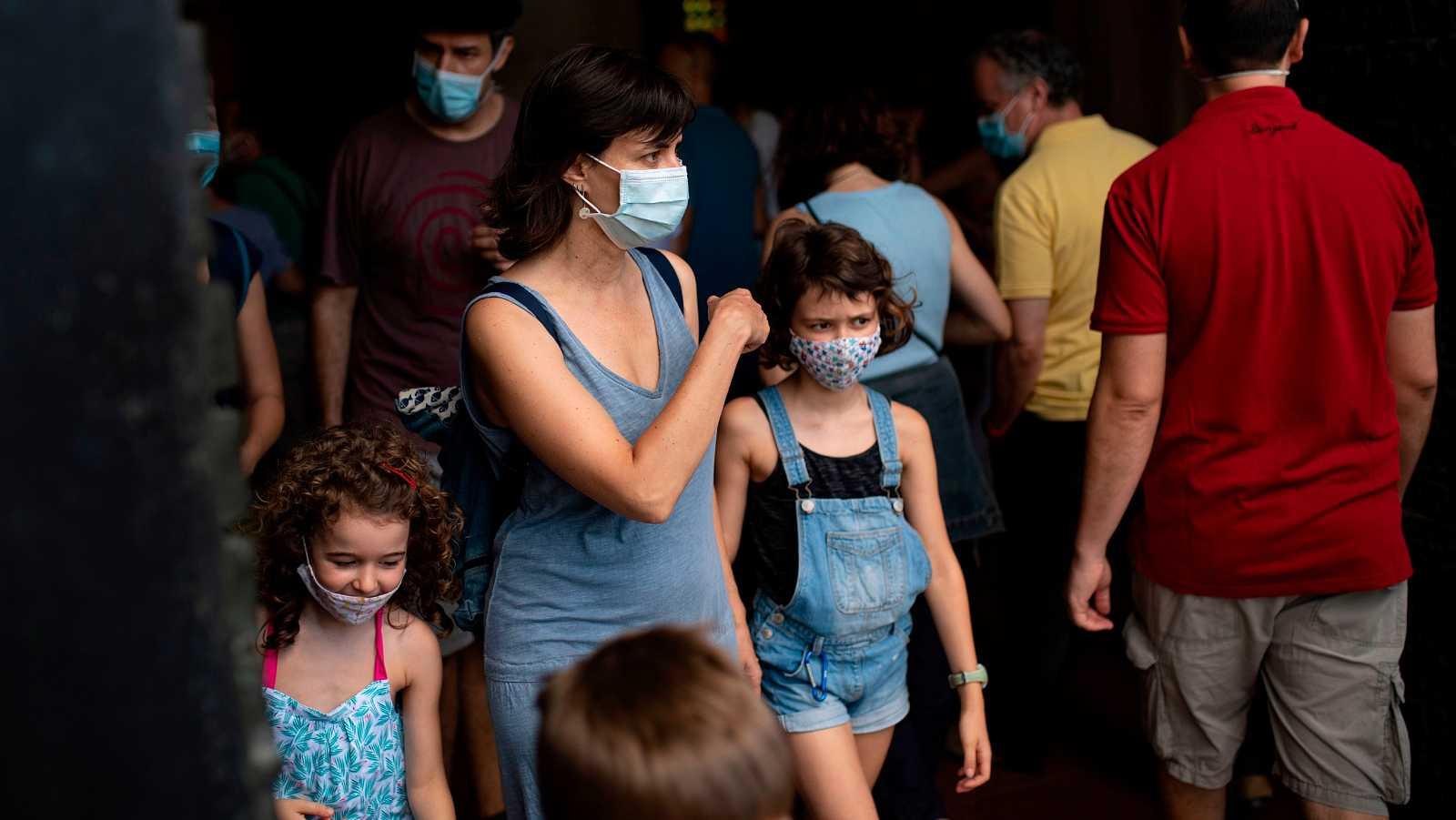 La mascarilla será obligatoria en Cataluña para contener los brotes de coronavirus en la comunidad