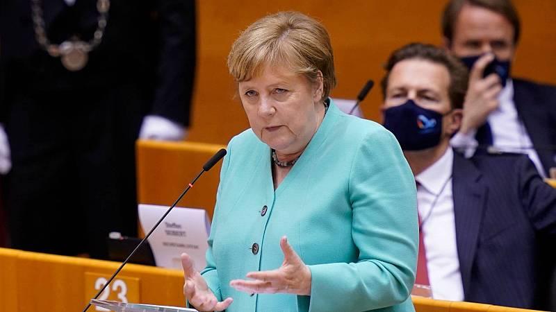 Merkel asegura que la gravedad de la crisis hace necesario un compromiso europeo este verano