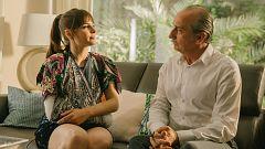 Este viernes se estrena 'La maldición del guapo', una divertida comedia sobre timadores y relaciones paterno-filiales