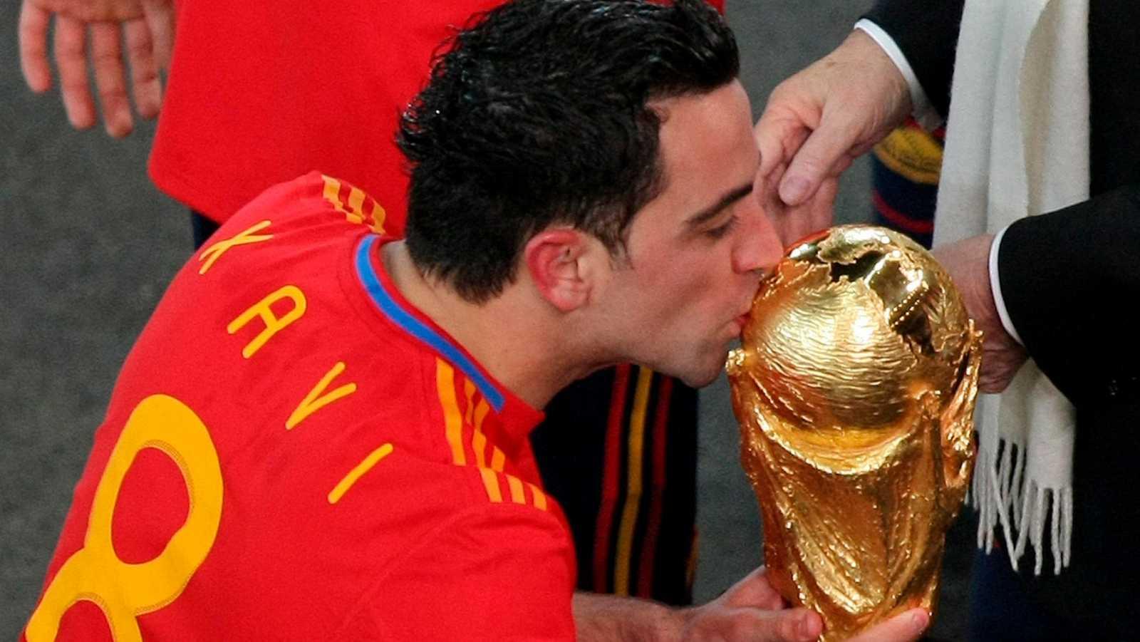 """Xavi: """"Levantar un Mundial parecía inalcanzable"""""""