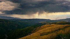 Chubascos y tormentas localmente fuertes en el interior peninsular