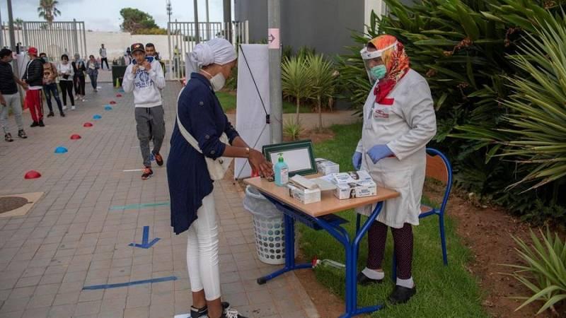 Marruecos reabre sus fronteras marítimas y aéreas, pero mantiene cerrado el Paso del Estrecho
