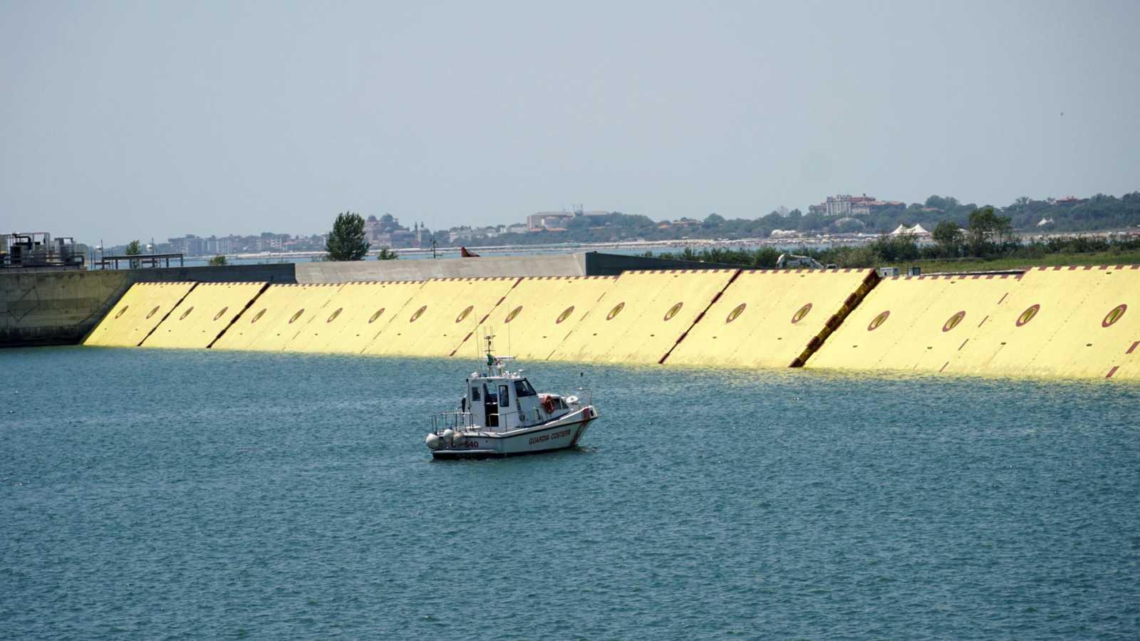 Venecia prueba Moisés, una ciclópea barrera para proteger la ciudad de las inundaciones