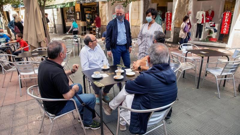 En la naturaleza, de compras o con la familia: así han pasado la jornada de reflexión los candidatos a las elecciones vascas y gallegas