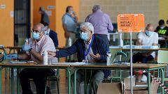 Gallegos y vascos viven una jornada electoral atípica por la pandemia de coronavirus