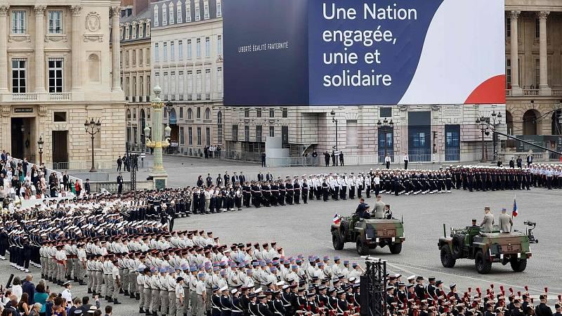 Francia celebra su fiesta nacional del 14 de julio en una ceremonia marcada por el coronavirus
