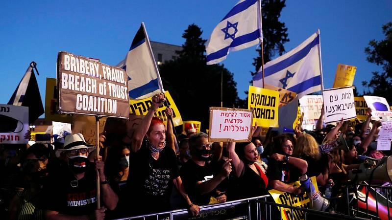 Los ultraortodoxos protestan en Israel por la gestión de la pandemia y denuncian que sufren discriminación