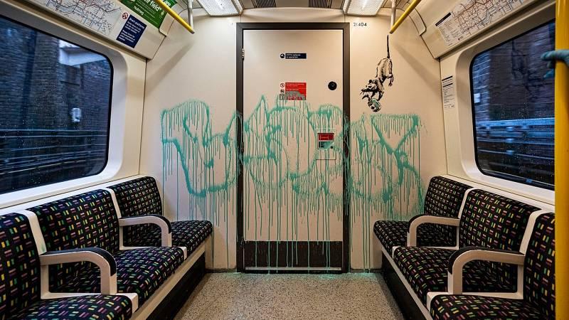 Banksy aparece en el metro de Londres para concienciar sobre las mascarillas