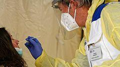 Sanidad notifica 580 nuevos casos, un repunte de contagios asociado a los brotes