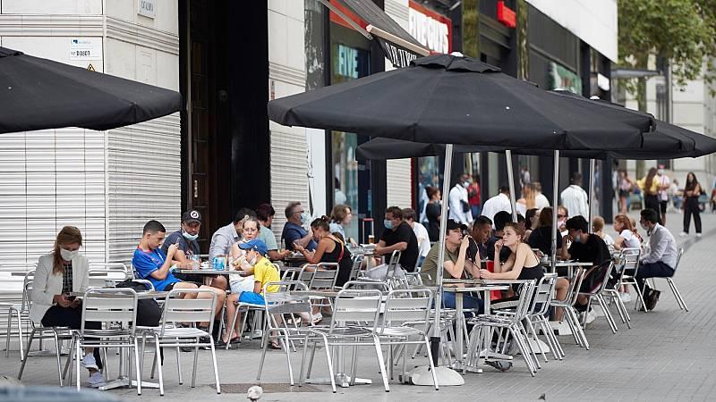 La Generalitat pide a la población de Barcelona y su área metropolitana que salga de casa solo para lo imprescindible