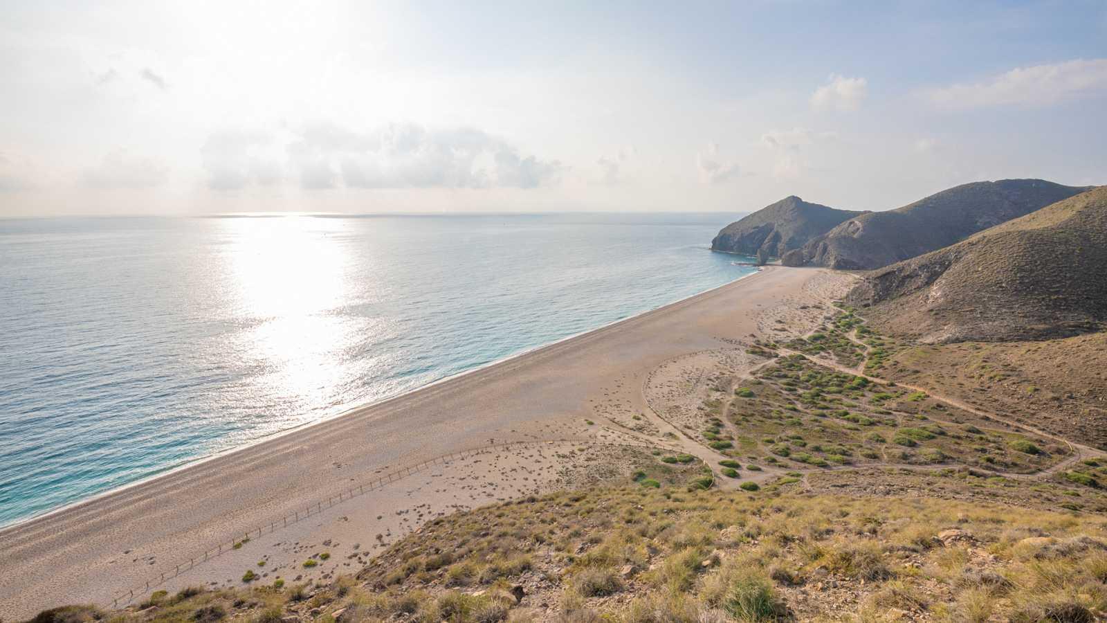 Intervalos de viento fuerte en los litorales de Galicia y Almería - Ver ahora