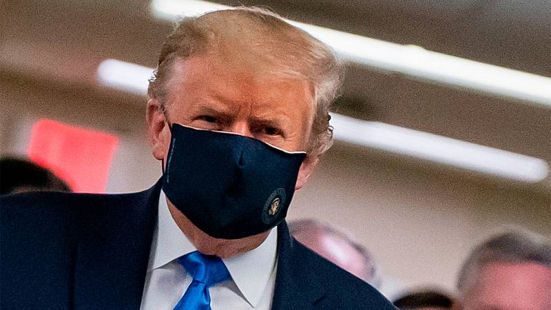 Trump aparca el negacionismo y recomienda las mascarillas contra el coronavirus