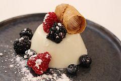 Panacota de yogur y frutos rojos