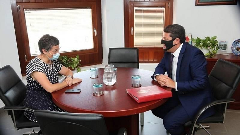 González Laya se reúne con el ministro principal de Gibraltar en Algeciras para abordar la relación tras el Brexit
