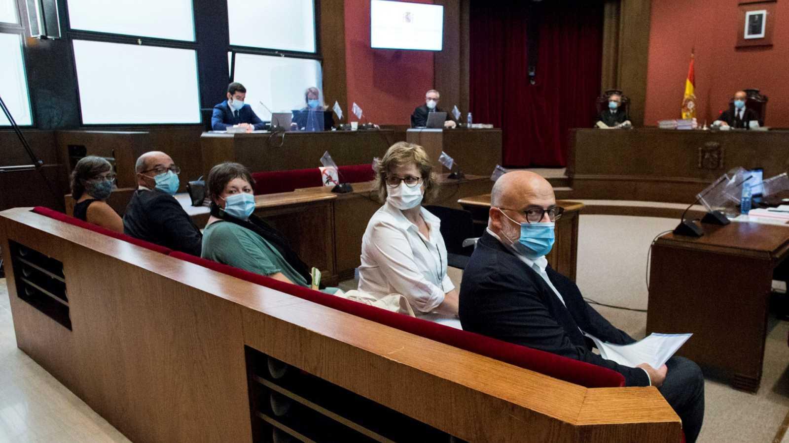 El fiscal acusa a la Mesa del Parlament del 1-O de desobediencia para romper la ley y de rebasar su inviolabilidad