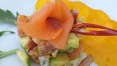 Ensalada de mango, aguacate y salmón