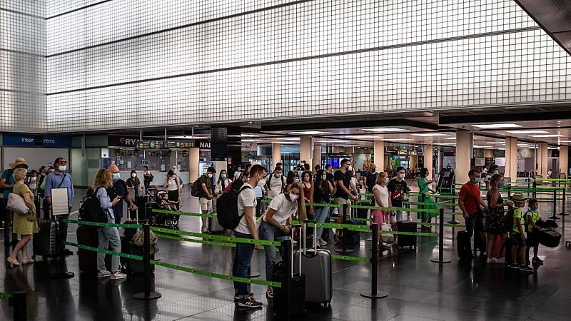 Francia, Bélgica y Noruega imponen restricciones para viajar a España